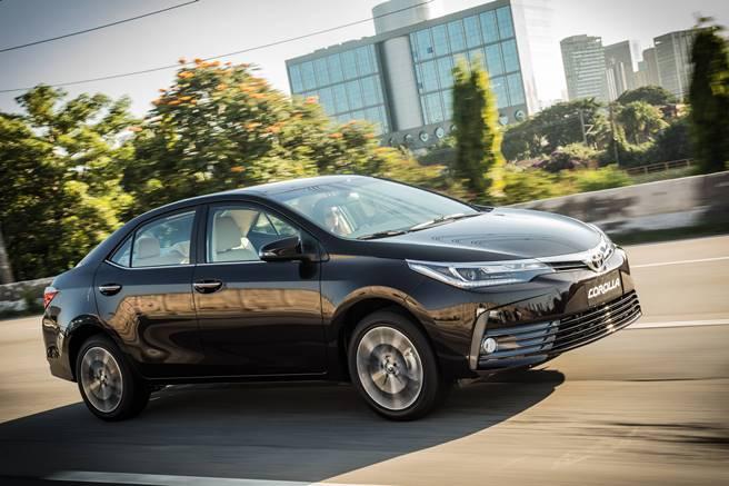 Toyota Corolla 2018 reestilizado 020