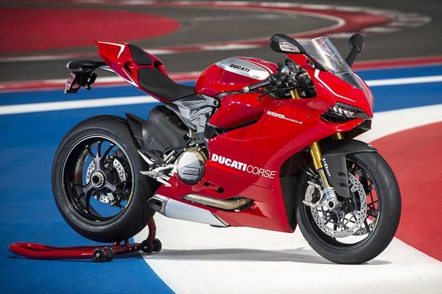 Ducati Panigale 1199 R 2014 02