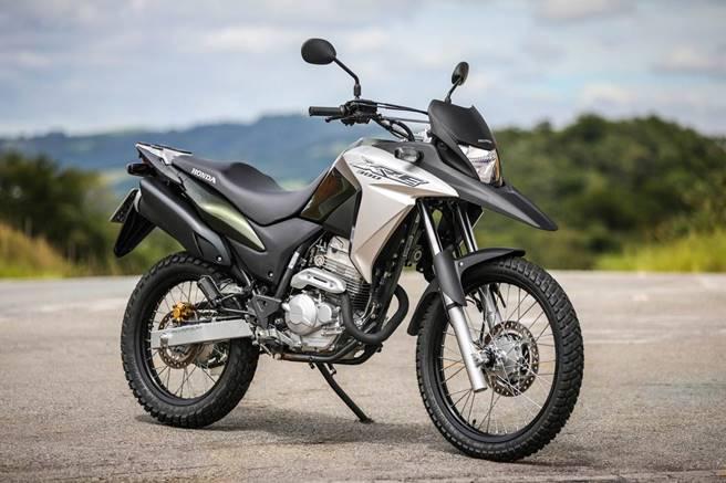 Nova Honda XRE 300 2017 01