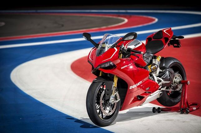 Ducati Panigale 1199 R 2014 01